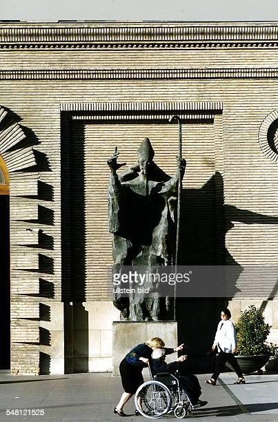 Plaza Nuestra Senora del Pilar: Bischofs-Statue vor dem Erzbischöflichen Palais - 1997
