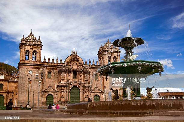 plaza-de-armas, cuzco, peru - cathedral stock pictures, royalty-free photos & images