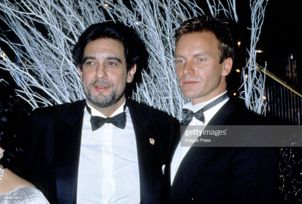 ¿Cuánto mide Plácido Domingo? Plcido-domingo-and-sting-circa-1985-in-new-york-city-picture-id969671872