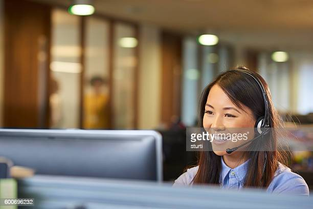 pleasure speaking with you - receptionist stockfoto's en -beelden