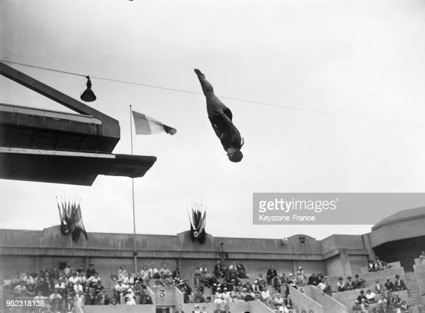 Plonfeur à la piscine des Tourelles à Paris France en 1934