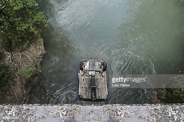 Plouf ! Car in the river - South of France