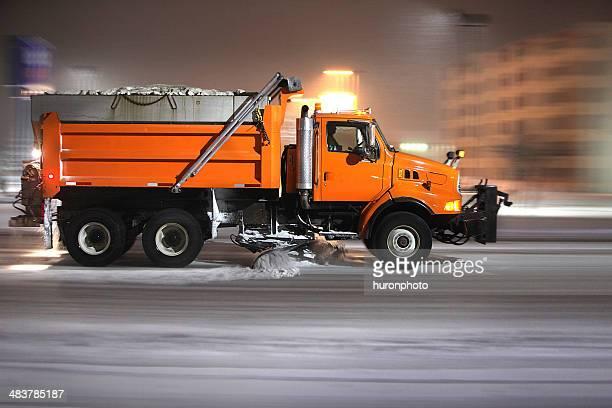 pflug truck - schneefahrzeug stock-fotos und bilder