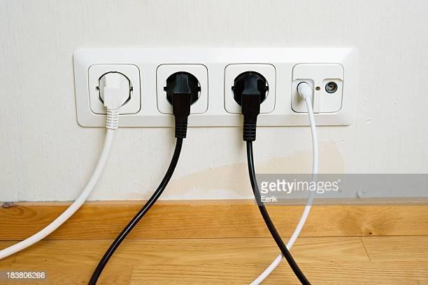 Ferseneinsatz mit dem outlet in der Wand