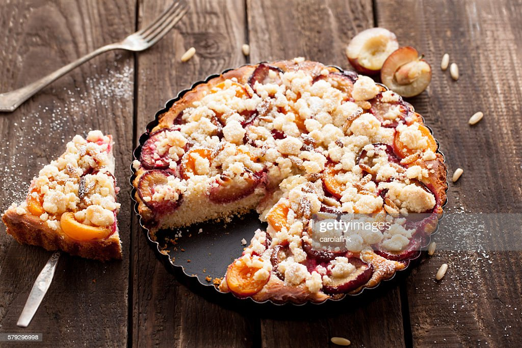 Plum cake with pine nuts : Stock-Foto