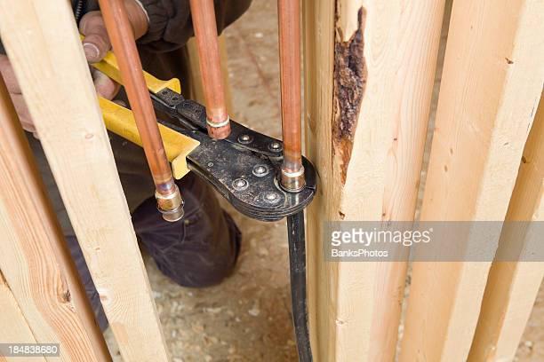 Plombier fixation PEX eau ligne de Tuyauterie en cuivre
