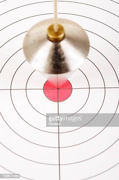 Senkblei-Messinstrument über Ziel