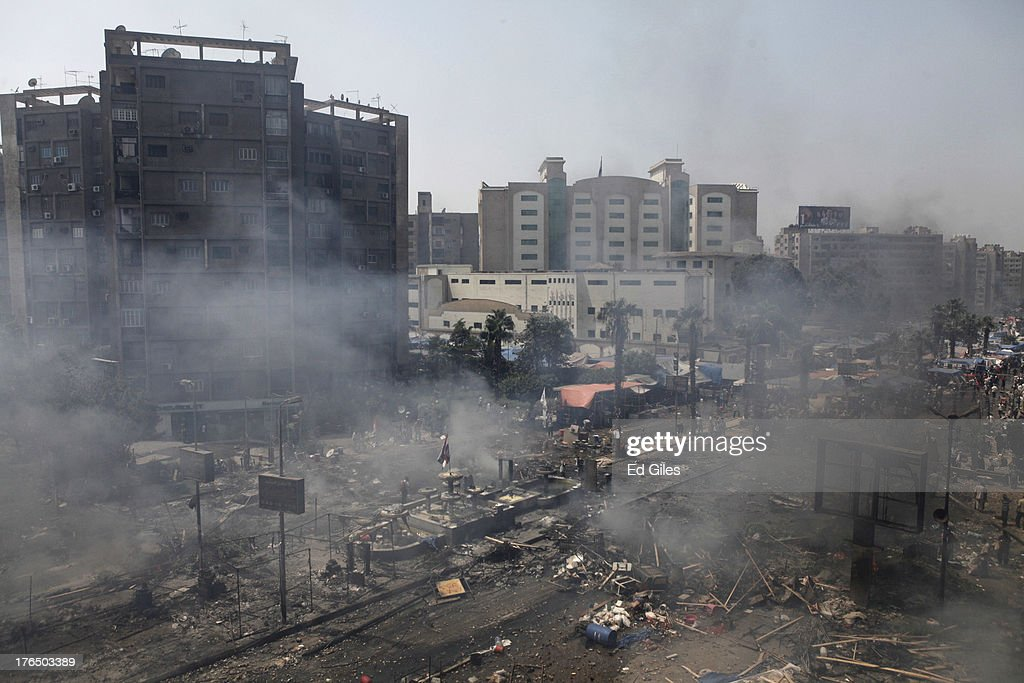 Many Feared Dead As Egyptian Security Forces Clear Cairo Protest Camps : ニュース写真