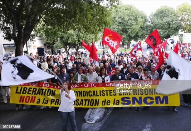 Plus de 9000 personnes ont manifeste devant le palais de justice contre la privatisation de la SNCM Alain Mosconi et les marins etaient dans la...