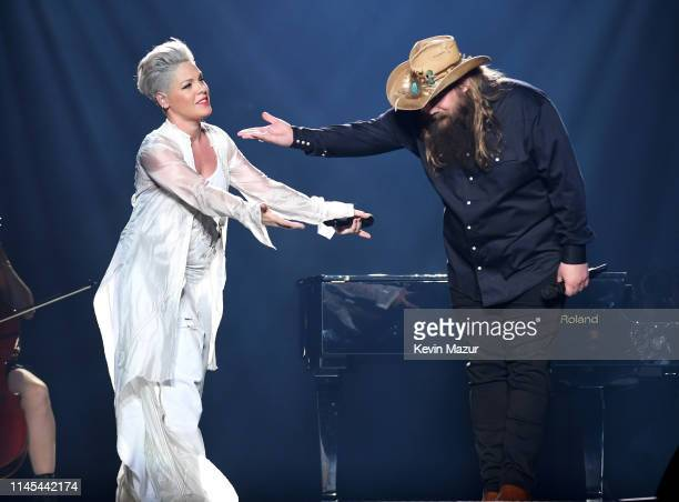Pnk and Chris Stapleton perform onstage during the Pnk Beautiful Trauma Tour 2019 at Madison Square Garden on May 21 2019 in New York City