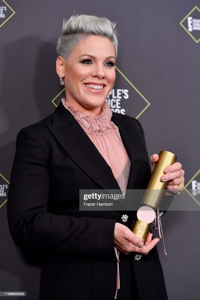 2019 E! People's Choice Awards - Press Room : News Photo