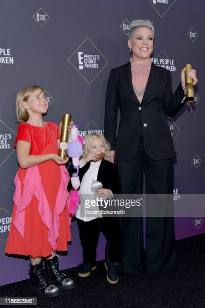 Pnk winner of People's Champion Award Willow Sage Hart and Jameson Moon Hart pose in the press room during the 2019 E People's Choice Awards at...