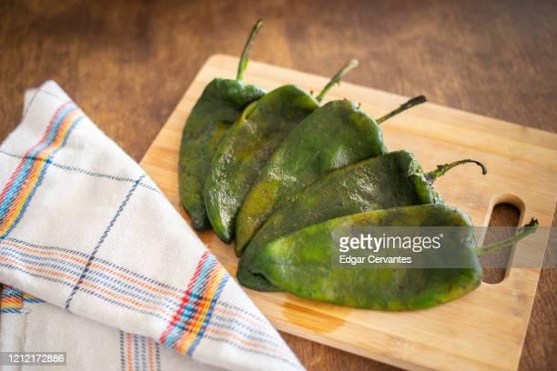 poblano peppers - esmeralda cervantes fotografías e imágenes de stock