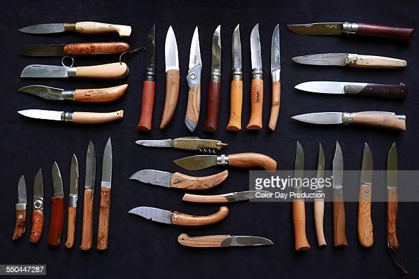 Pocket knives Neatly organised