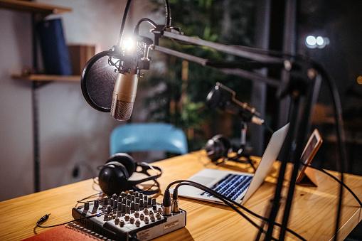 Podcast studio 1132835815