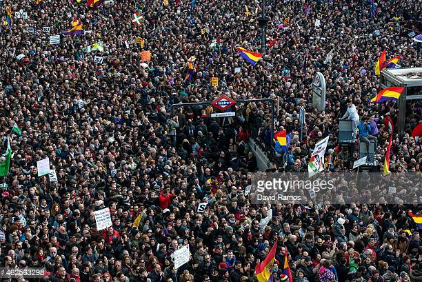 Podemos supporters gather at Puerta del Sol square on January 31 2015 in Madrid Spain According to the last opinion polls Podemos the antiausterity...