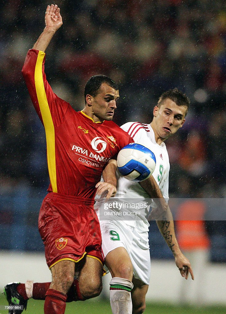 Montenegrin Mirko Raicevic (L) vies for the ball with Hungarian Tamas Priskin (R) during their friendly football match in Podgorica, 24 March 2007.