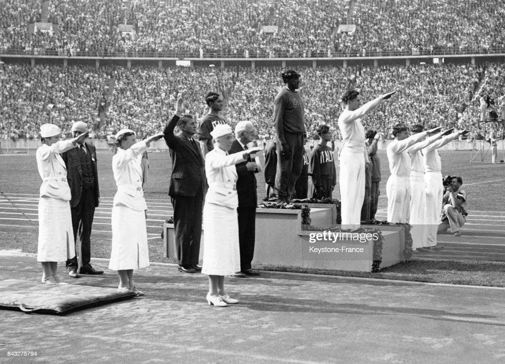 Podium olympique du 4x100 mètres : News Photo