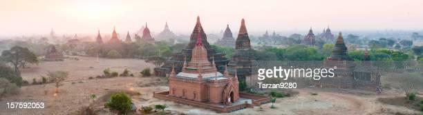 Pogoda auf der Ebene von Bagan, Myanmar