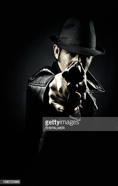 Zeigt eine Waffe