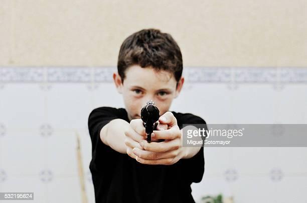 pointing with my gun - 撃つ ストックフォトと画像