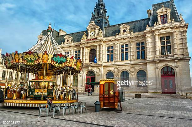 poitiers - town hall - ポワティエ ストックフォトと画像