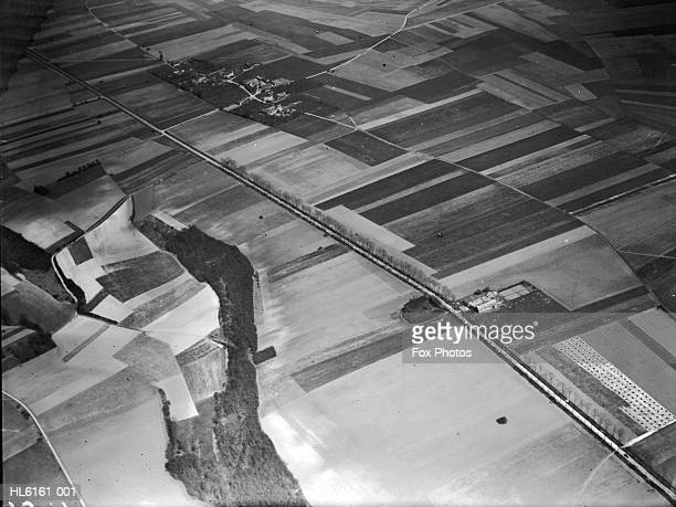 poix aerial view - 1920 1929 stock pictures, royalty-free photos & images