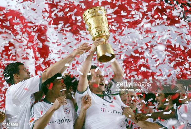 Pokal Finale 2003 Berlin FC Bayern Muenchen 1 FC Kaiserslautern 31 Bayern Muenchen DFB Pokalsieger 2003 Jubel Michael BALLACK Giovane ELBER Claudio...