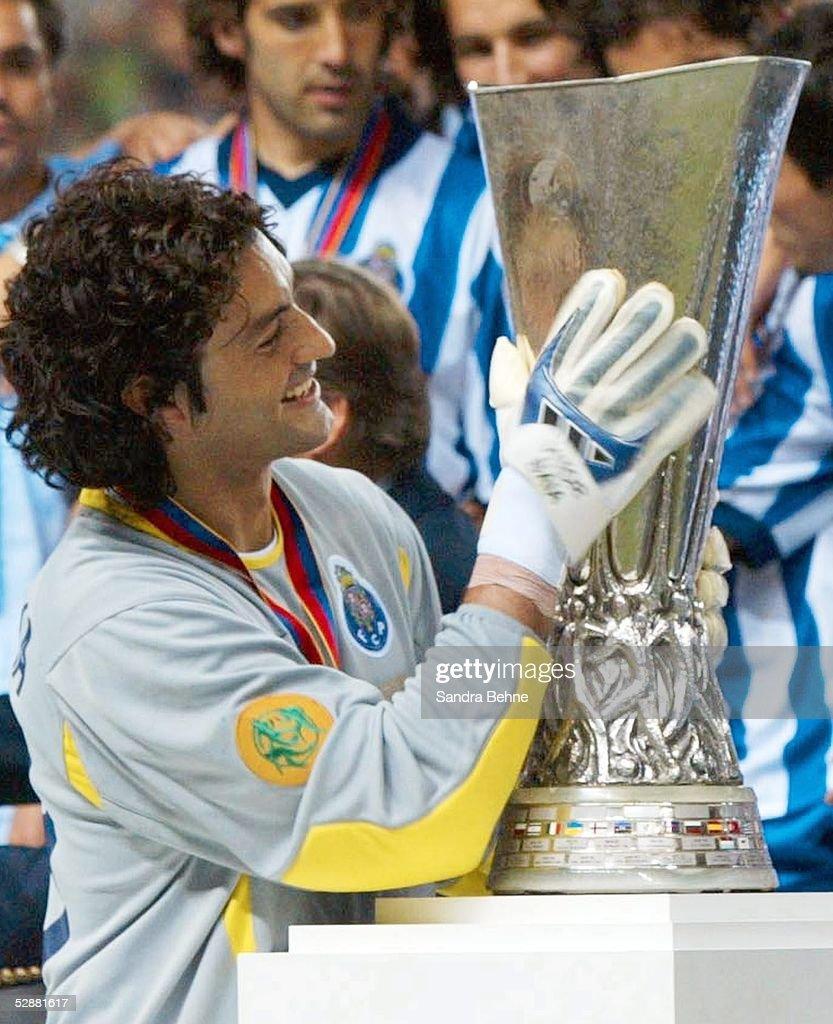 Fussball: UEFA Pokal 02/03 : News Photo