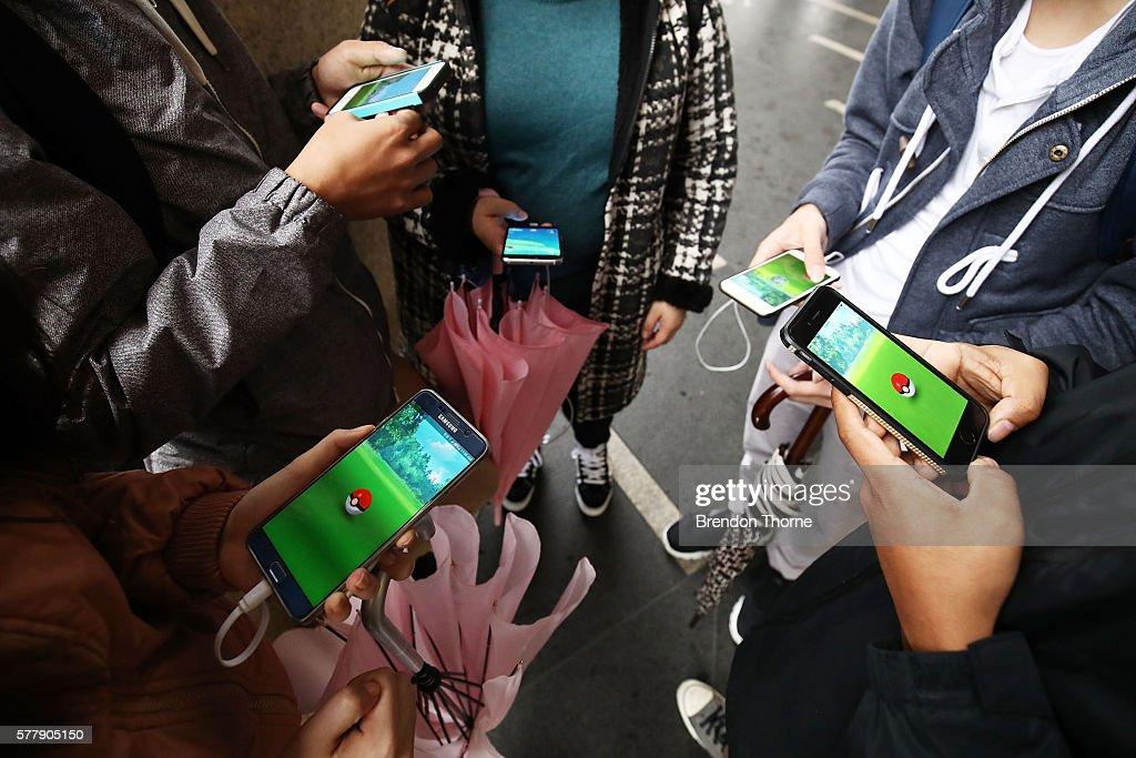 Pokemon GO Fans Converge At Sydney Opera House : News Photo