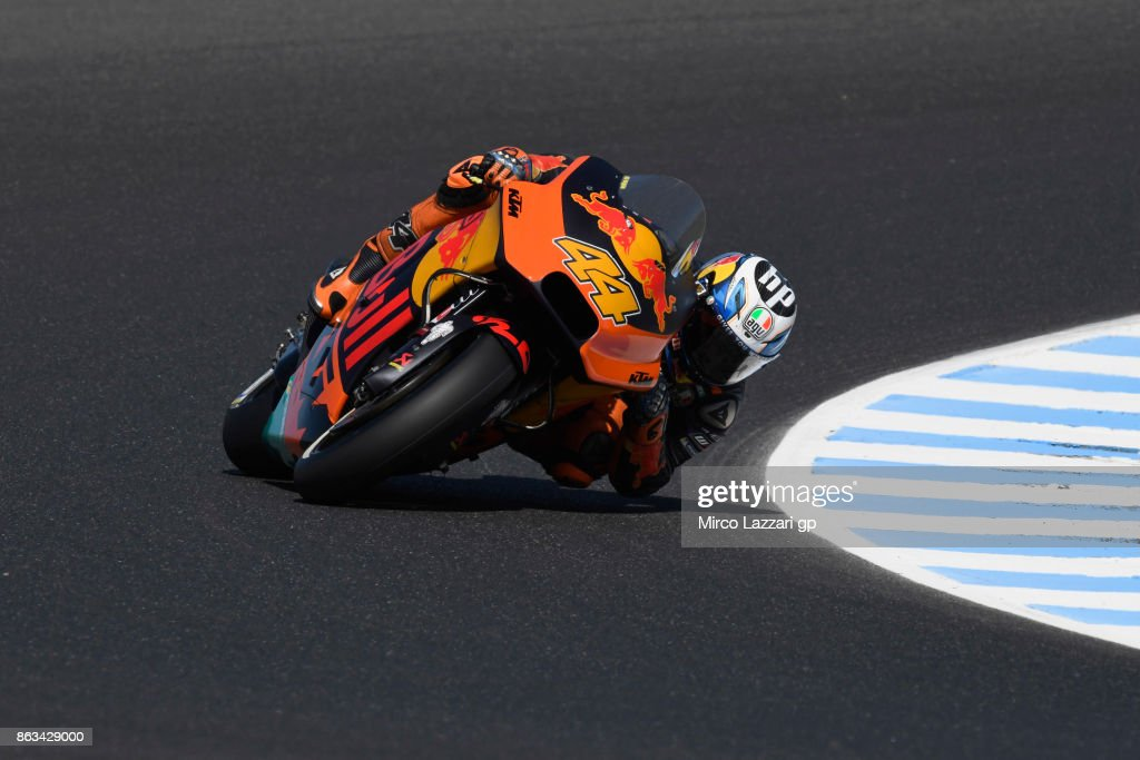Pol Espargaro of Spain and Red Bull KTM Factory Racing rounds the bend during free practice for the 2017 MotoGP of Australia at Phillip Island Grand Prix Circuit on October 20, 2017 in Phillip Island, Australia.