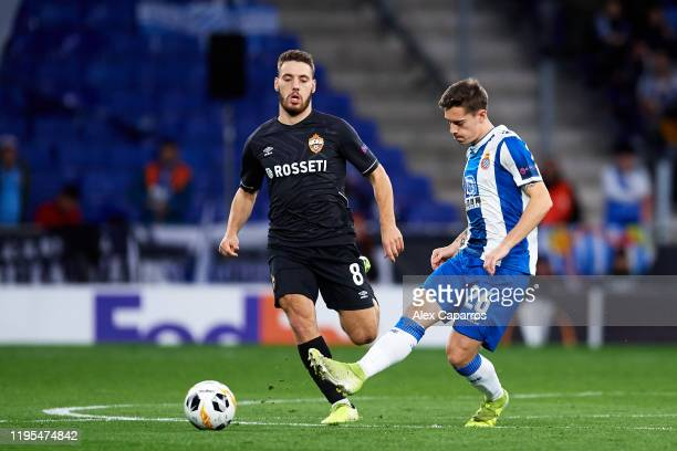 Pol Lozano of RCD Espanyol plays the ball under pressure from Nikola Vlasic of CSKA Moskva during the UEFA Europa League group H match between...