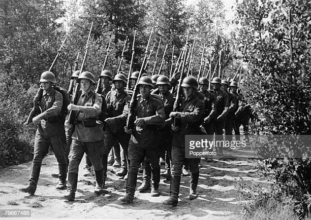 Poland 17th September Members of the Russian army on the march with their guns over their shoulders as they cross the Polish frontier during the...
