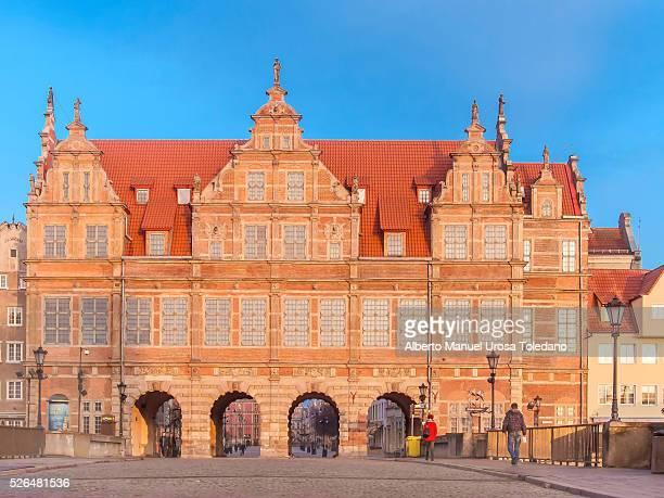 poland, gdansk, green gate and dluga street - porta cittadina foto e immagini stock