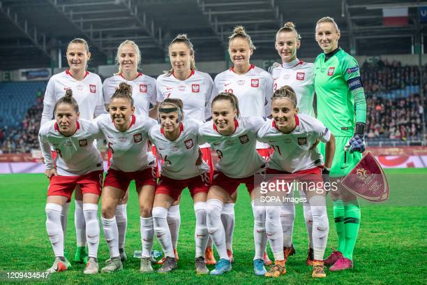 Poland women's national football team pose for a photo during the UEFA Women's EURO 2021 qualifying match between Poland and Spain at Arena Lublin...