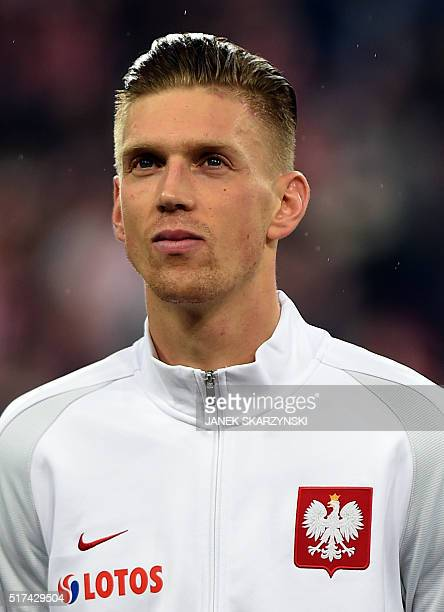 Poland's Bartosz Salamon poses for a team picture ahead the international friendly football match against Serbia on March 23 2016 in Poznan / AFP /...