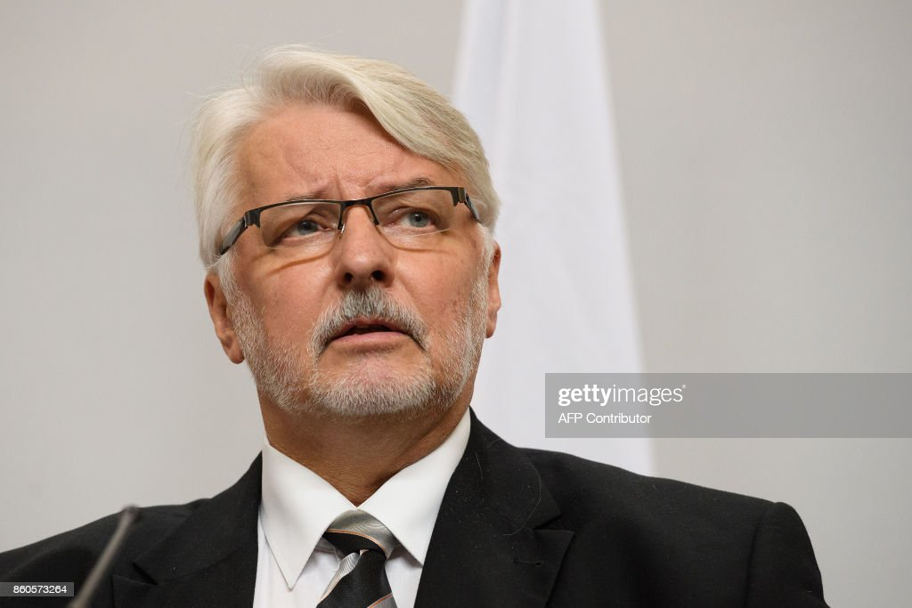 Poland's Foreign Minister Witold Waszczykowski speaks during a joint UK/Poland press conference following bilateral talks at the Foreign and Commonwealth Office in London on October 12, 2017. / AFP PHOTO / POOL / Leon Neal