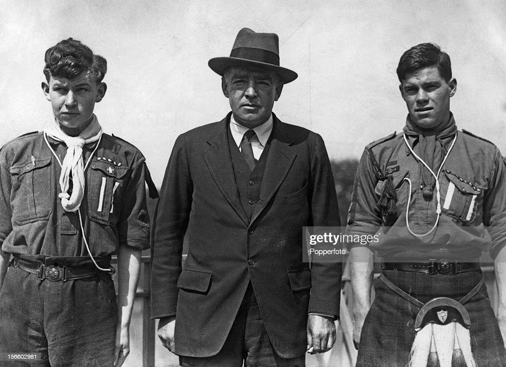 Ernest Shackleton : News Photo