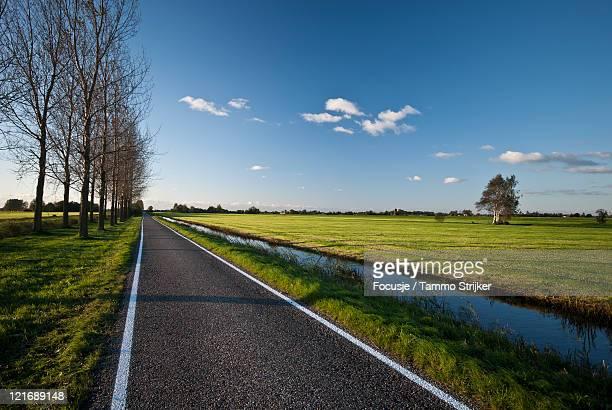 polder landcape - 干拓地 ストックフォトと画像