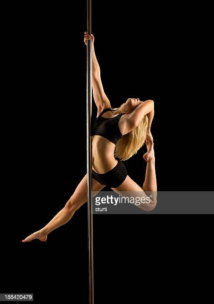 pole dance de remise en forme - pole dance photos et images de collection