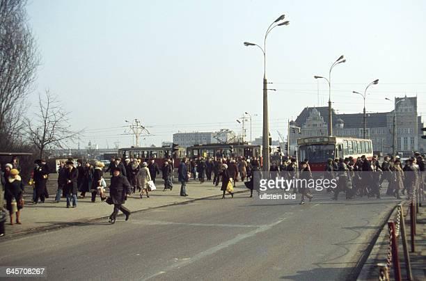 Polen Stettin ca 1980 Innenstadt Strassenbahn