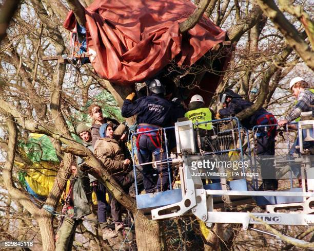 Police and bailiffs move onto the site of the Newbury bypass to enforce eviction orders against hundred of protesters Eviction writs have been...