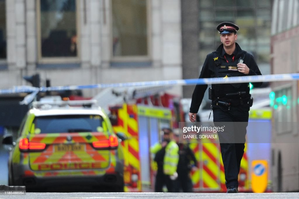BRITAIN-POLICE-BRIDGE : News Photo