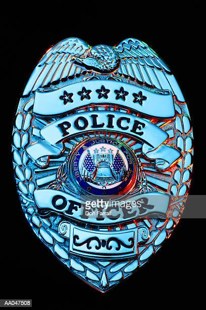 police badge, close-up - distintivo de polícia - fotografias e filmes do acervo