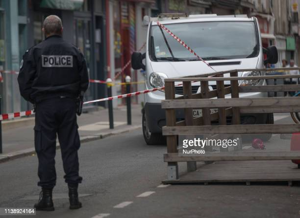 Police block the street Marshal Joffre time investigations. A 23-year-old man was shot dead on the night of April 22-23, 2019 in a shisha bar in the...