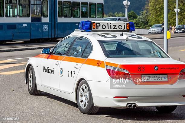 bmw auto della polizia in servizio a zurigo, svizzera - città di zurigo foto e immagini stock