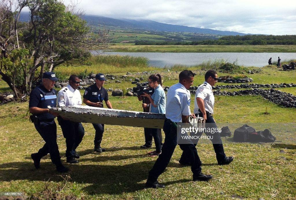 AUSTRALIA-MALAYSIA-CHINA-AVIATION-MH370-ACCIDENT : News Photo