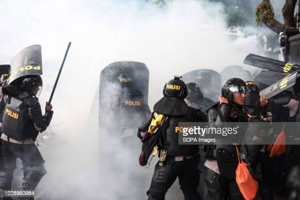 Police clashes with demonstrators on the last day of a three-day national strike. Protesters clashed with security officers on the final day of a...
