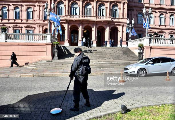 Police control is seen outside the Casa Rosada as part of the official visit of Israeli Prime Minister Benjamin Netanyahu to Buenos Aires at Casa...