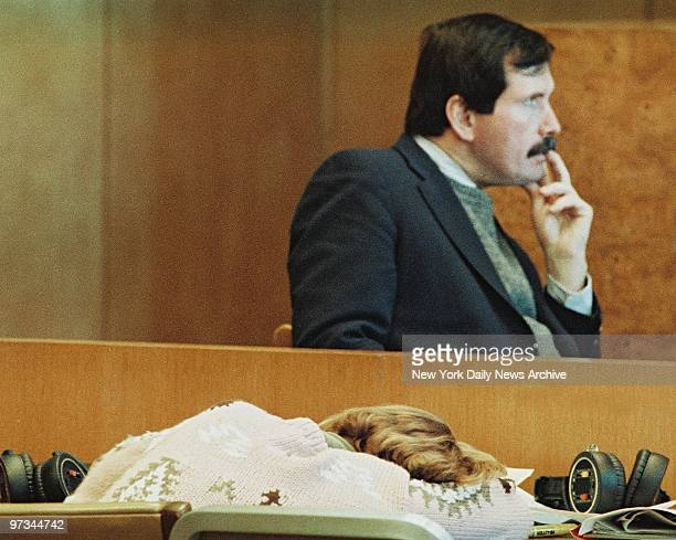 Police Detective John Bonaiuto testifies in the 'Fatal Attraction trial of Carolyn Warmus as Warmus rest her head on table
